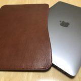 MacBookの持ち運びにはコレ!国立商店さんの「職人が作るレザースリーブ」を着せてみた